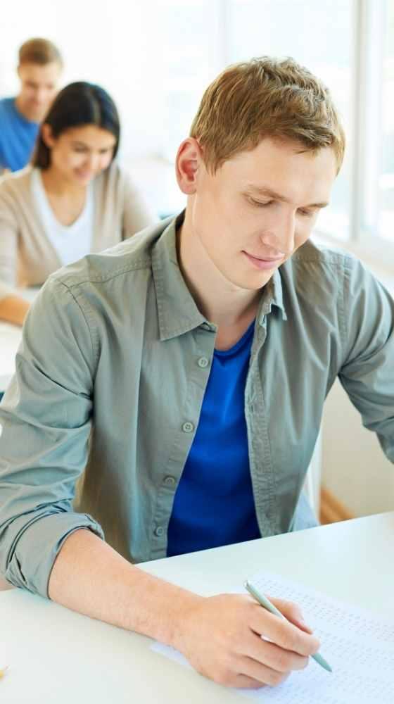 Joven - examen de idioma inlingua Andorra